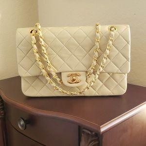Chanel double flap Caviar leather shoulder bag